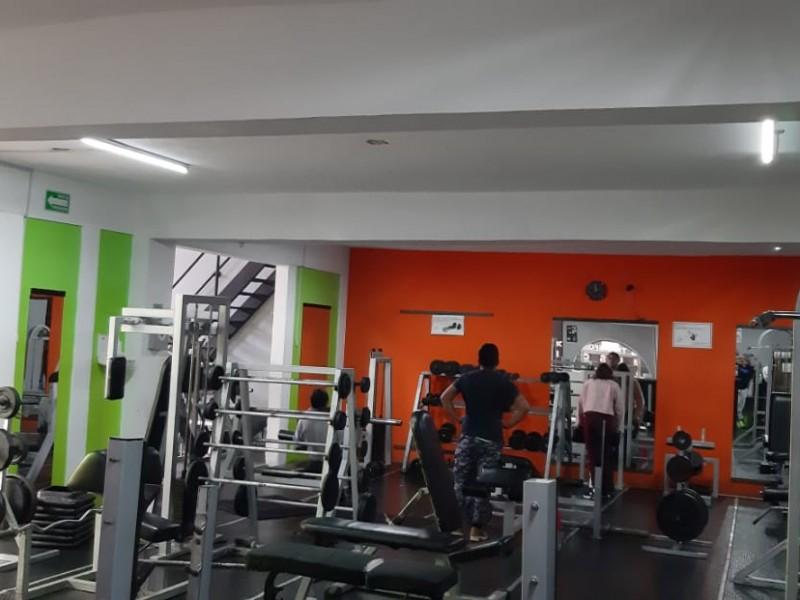 Vacios gimnasios de la capital mexiquense