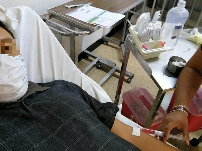 Vacuna anticovid provoca reacciones en 13 trabajadores del sector salud