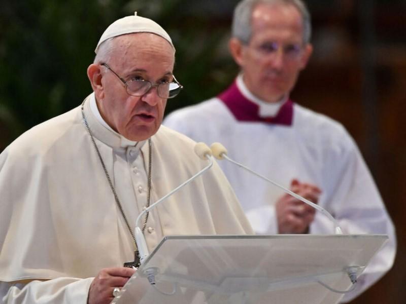 Vacuna debe ser para pobres y ricos: Papa Francisco