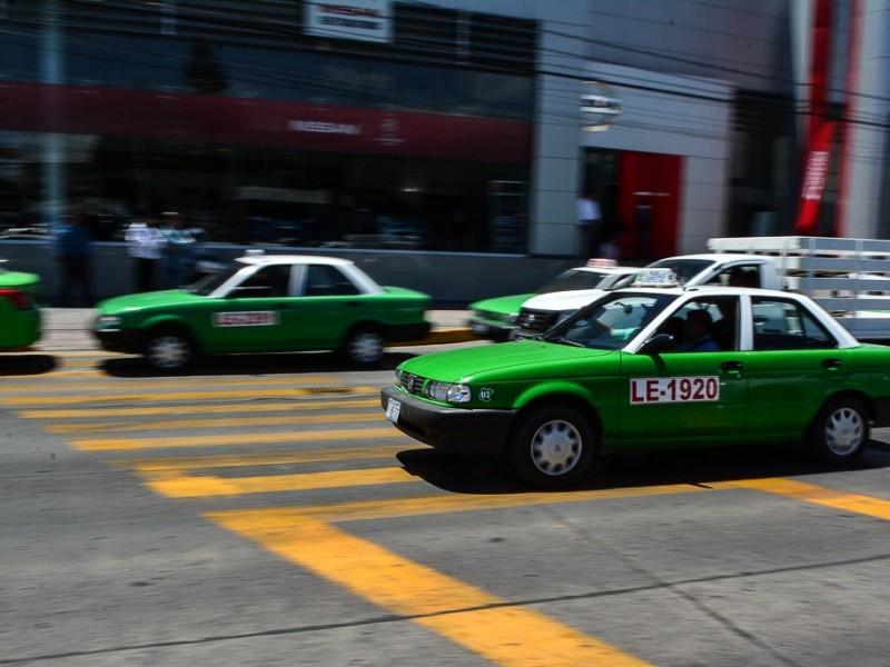Vacunación anti Covid-19 beneficia al gremio de taxistas