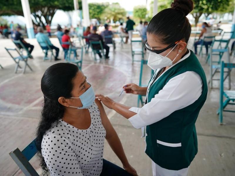 Vacunación Anti Covid  se acerca a 400 mil dosis