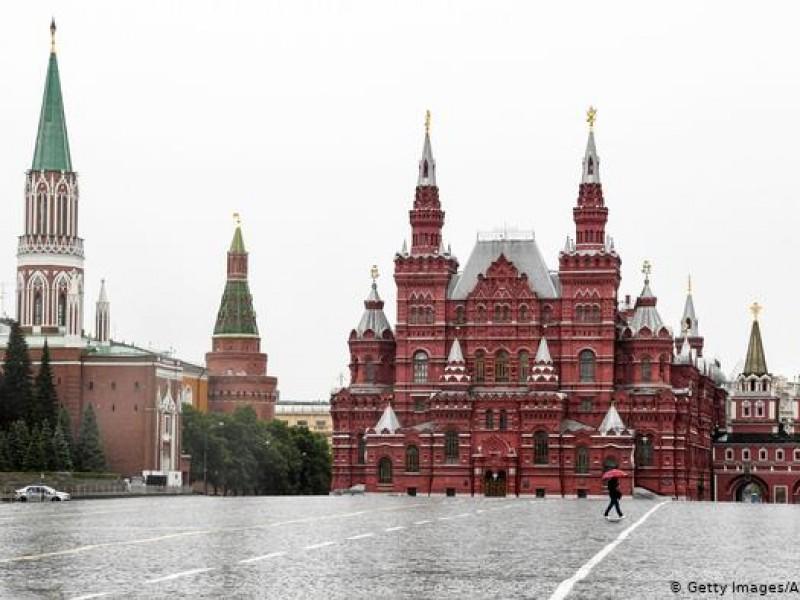 Vacunación Covid-19 será obligatoria para algunos profesionales en Moscú