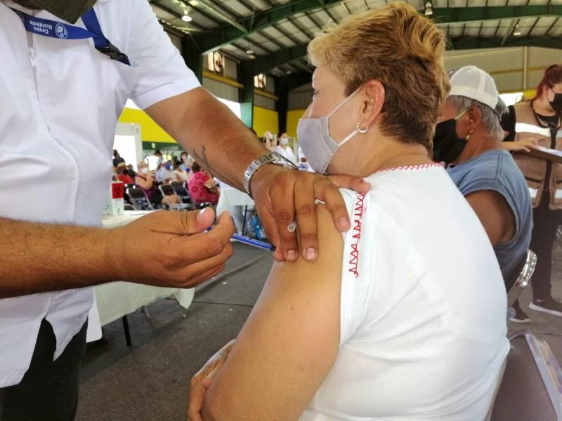 Vacunación está funcionando, indicadores están a la baja: Salud Colima
