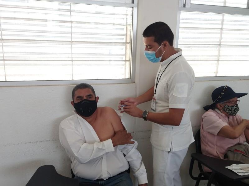 Vacunación iniciaría el lunes para mayores de 50 en Morelia