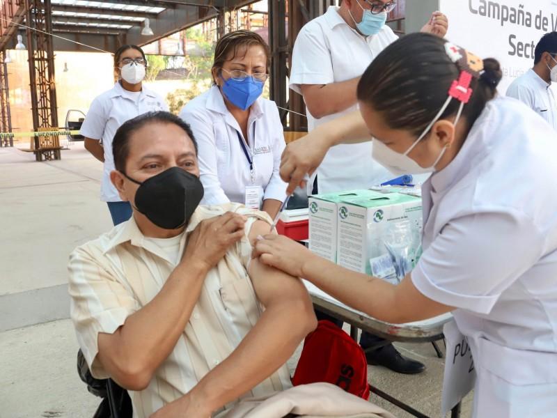 Vacunada 50% de la población oaxaqueña contra Covid-19: SSO