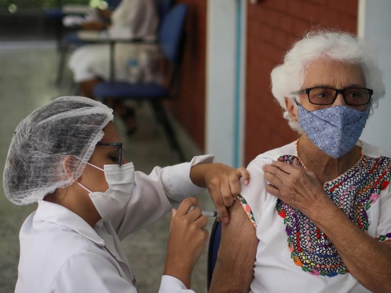 Vacunados más de 6 mil adultos mayores contra la COVID-19