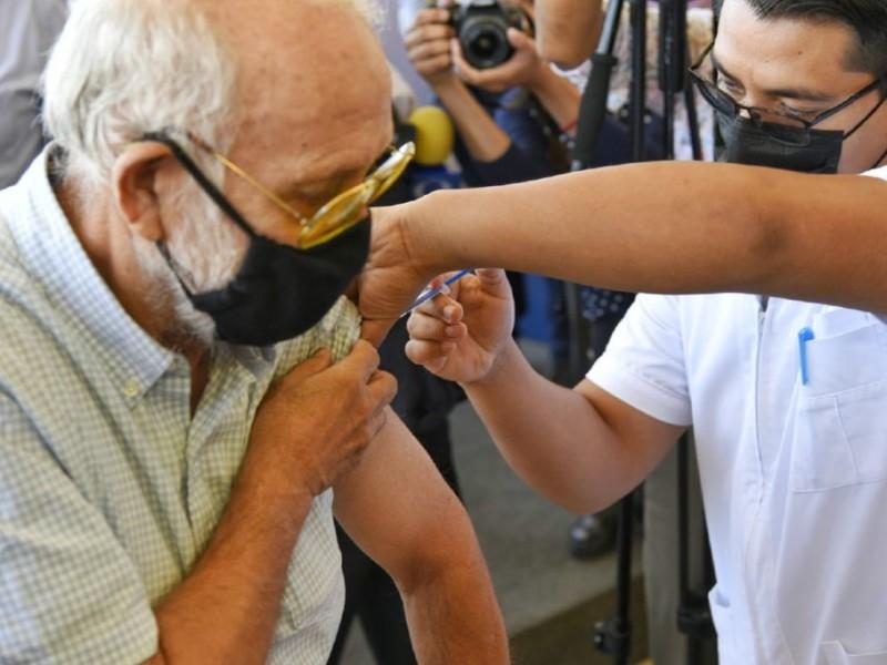 Vacunarse contra el Covid es un riego a tomar; Laguneros
