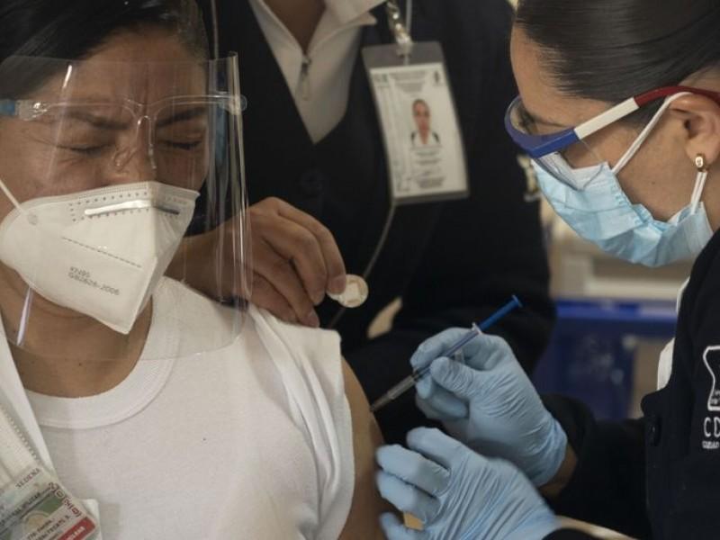 Vacunas CanSino y SinoVac son autorizadas por Cofepris