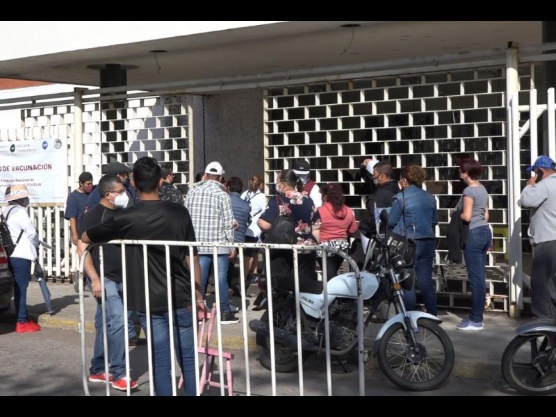 Vacunas contra Covid llegan a cuenta gotas Guanajuato