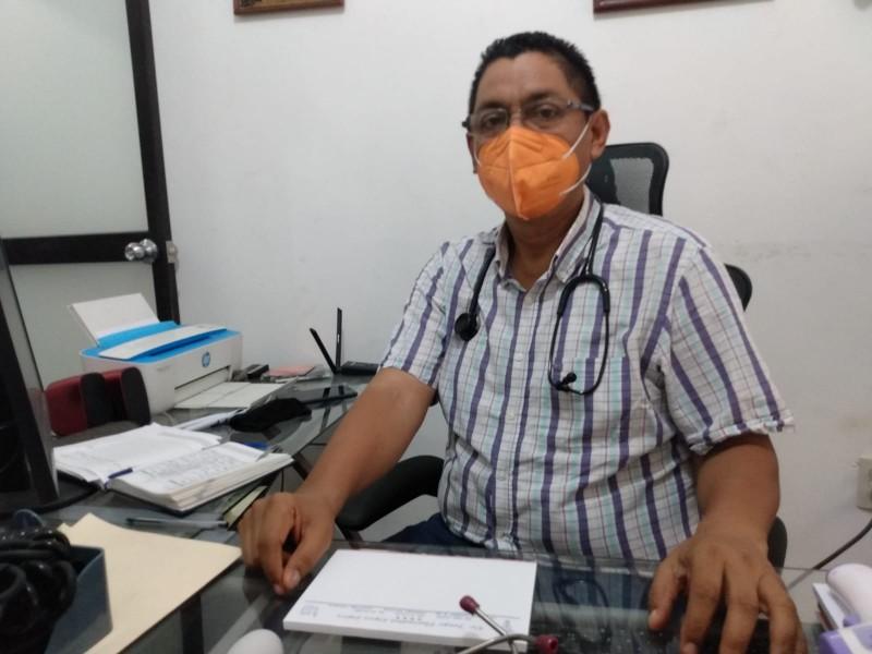 Vacunas Covid-19 pueden provocar reacciones secundarias: Jorge Florentino López