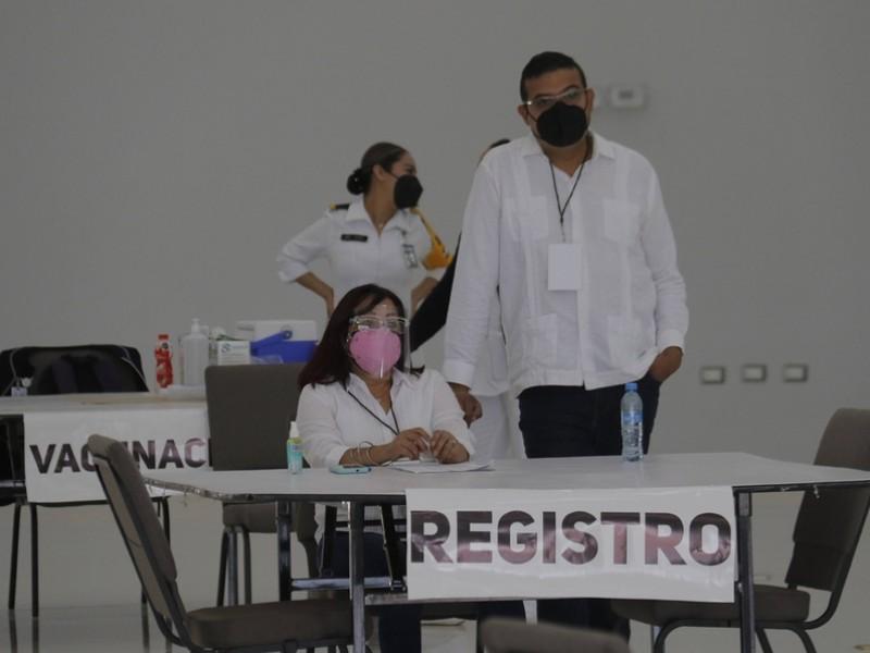Van 11,717 maestros vacunados contra COVID-19 en La Laguna