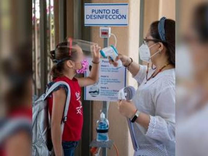 Van 18 casos de covid-19 en escuelas de Querétaro