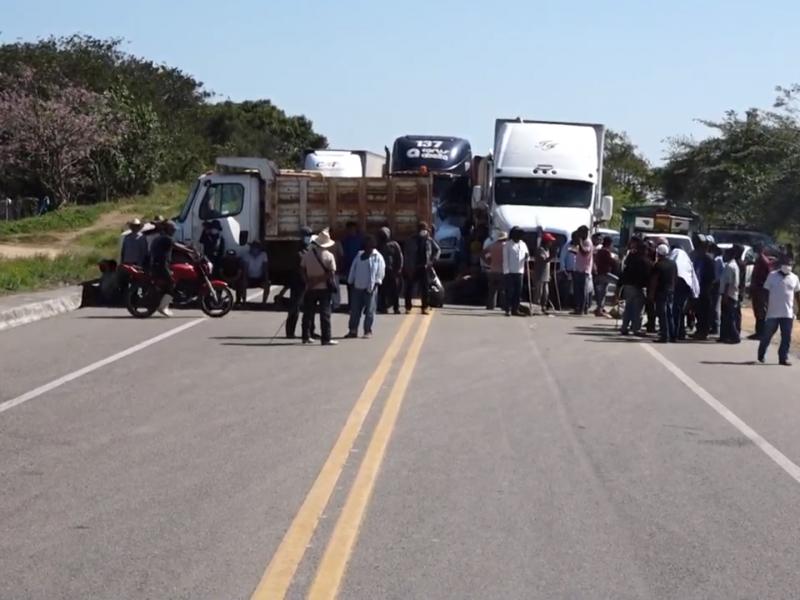 Van 6 días con bloqueos carreteros en el Istmo