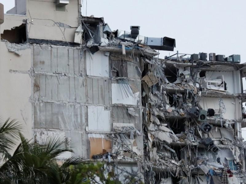 Van 96 muertos por derrumbe de edificio en Miami