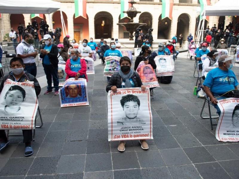 Van contra militares y ofrecen disculpas por caso Ayotzinapa