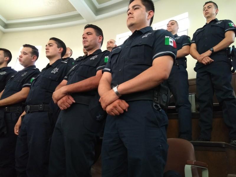 Van policías del AMG a las aulas