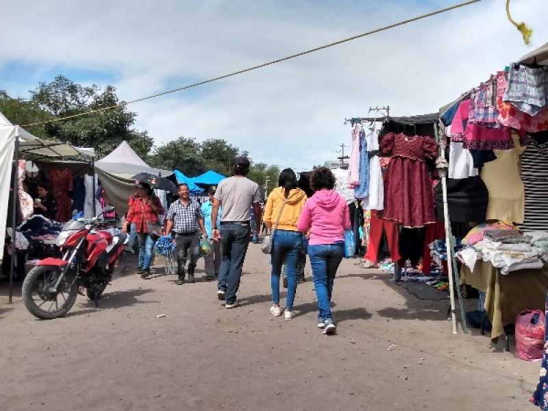 Van por la regulación de tianguis en Tepic