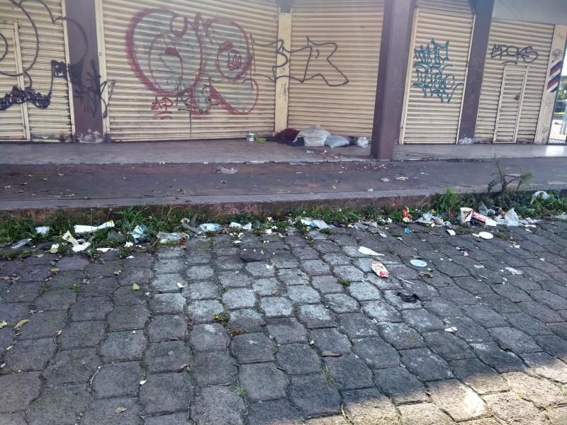 Vandalismo en predio abandonado de Metepec