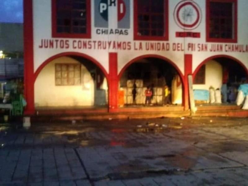 Vandalizan oficinas del PRI en San Juan Chamula