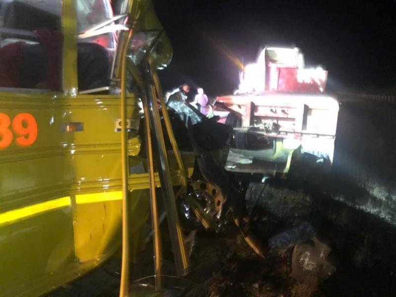Varios lesionados en camionazo