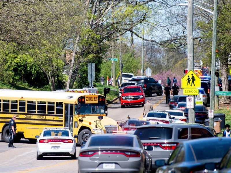 """Varios Muertos"" tras tiroteo en escuela secundaria de Tennessee"