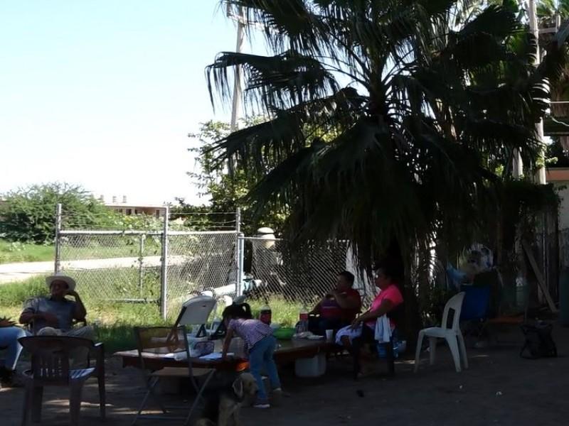VECINOS DE CAMPO ROMERO CUIDAN EL POZO DE AGUA
