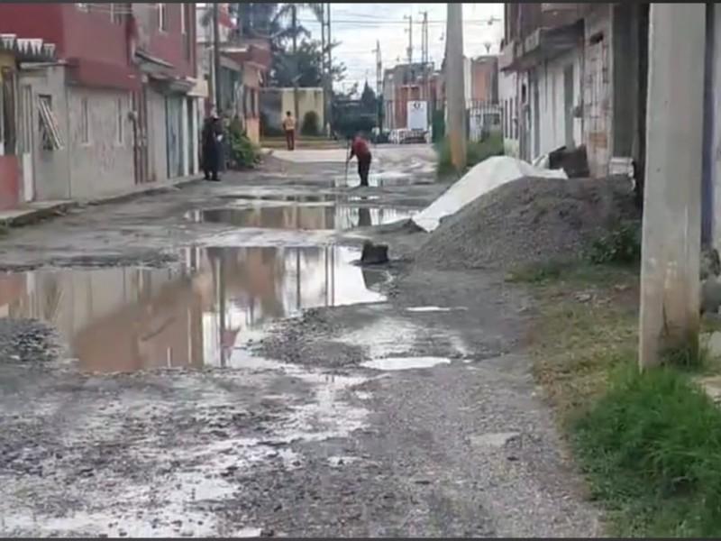 Vecinos de Cuautlancingo denuncian inundaciones y aguas negras en calles