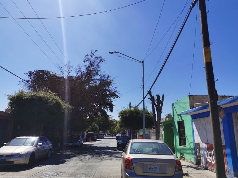 Vecinos de la colonia Arboledas denuncian deficiencias en alumbrado público