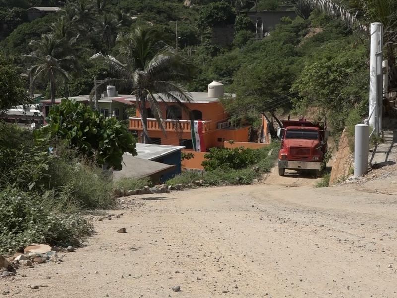 Vecinos de la colonia Miramar exigen reparación de calle