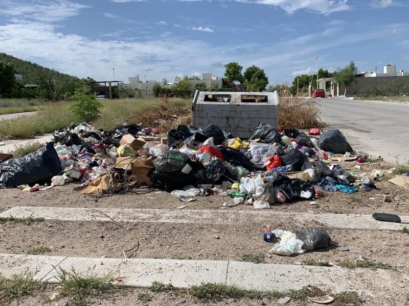 Vecinos de la colonia Valle del Mezquite denuncian basurero
