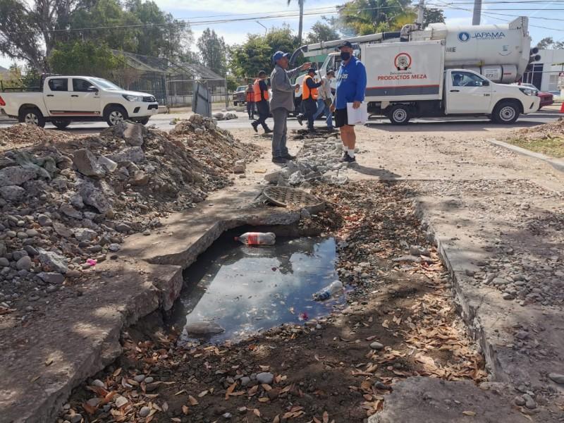 Vecinos de la Deportiva exigen solución a drenajes colapsados