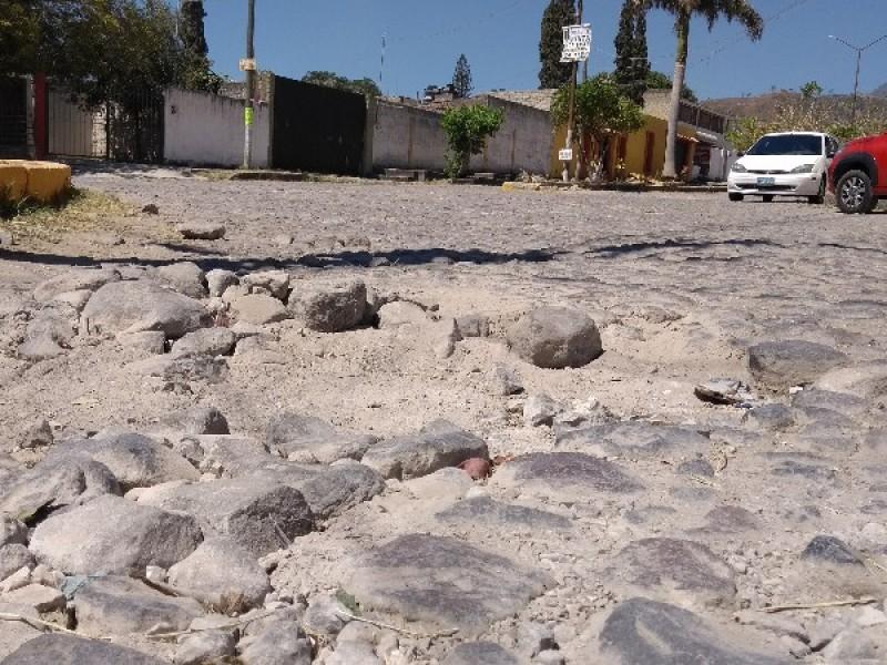 Vecinos piden rehabilitación de calles en col. Cuauhtémoc