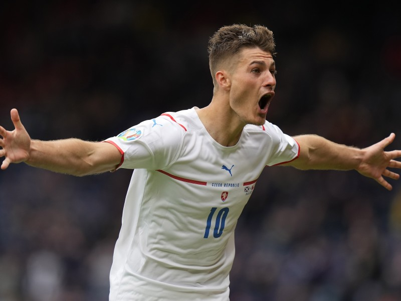 Vence República Checa a Escocia con golazo incluido