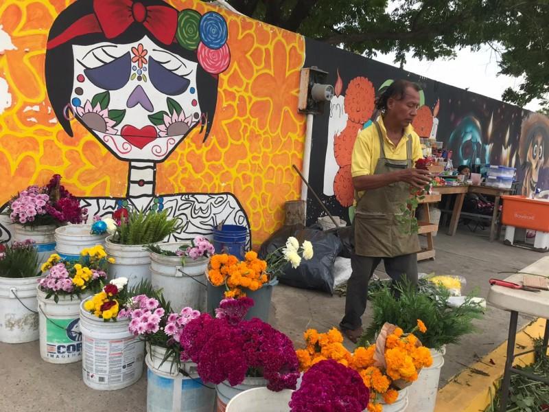 Vendedores de flores reportan pérdidas