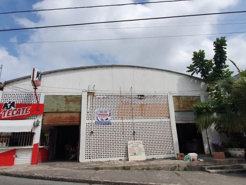 Vendedores del Mercado Benito Juárez luchan por permanecer