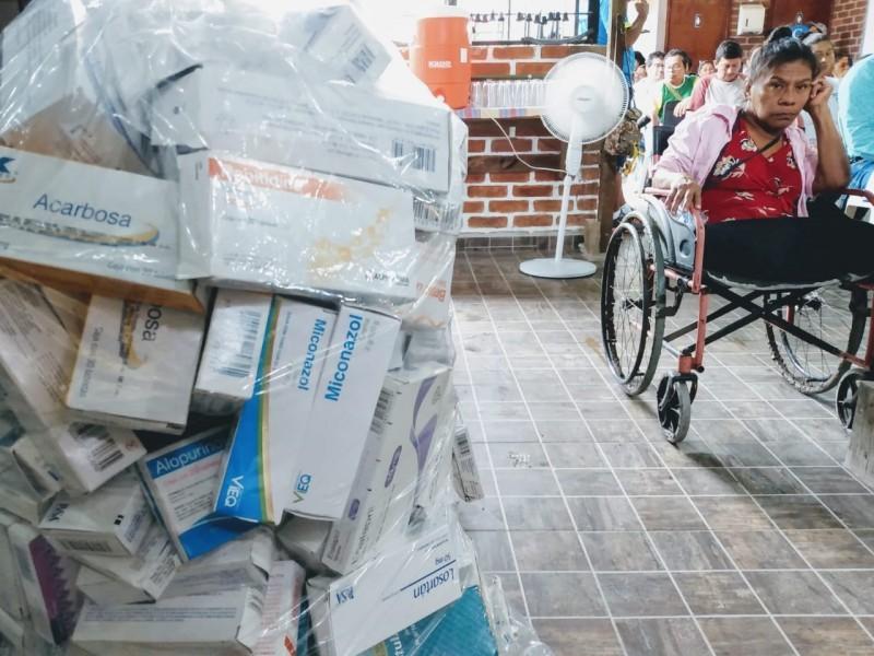Veracruzanos continúan luchando contra el desabasto de medicamentos