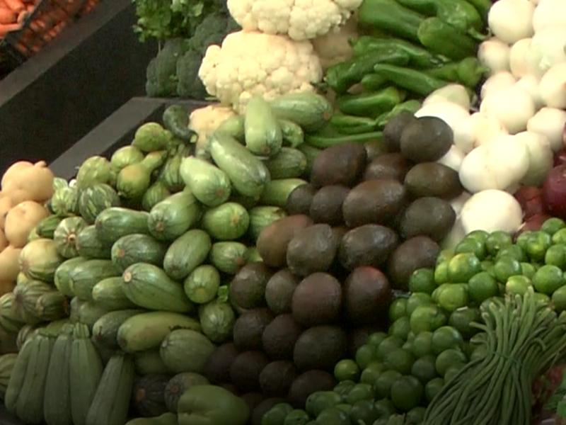 Verduras de temporada a bajo costo en Mercados Municipales