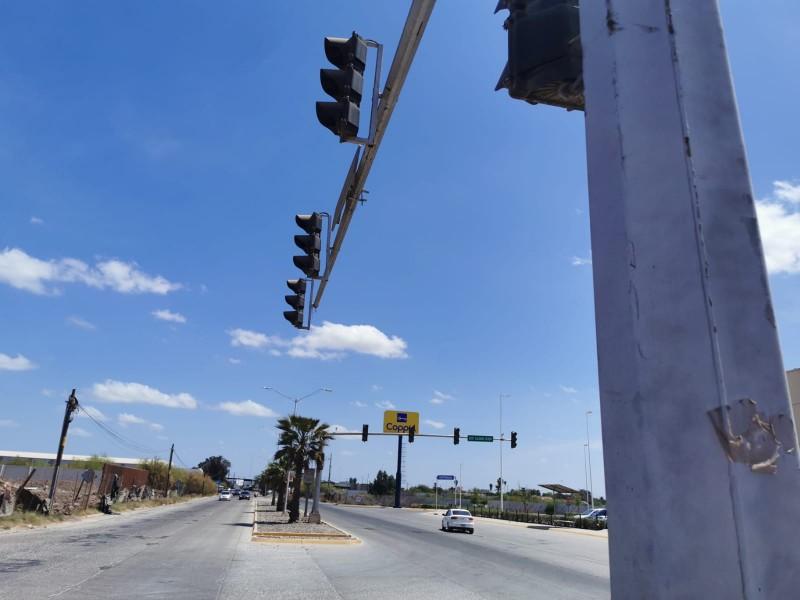 Vialidad y Transporte se compromete a combatir rezago en semaforización