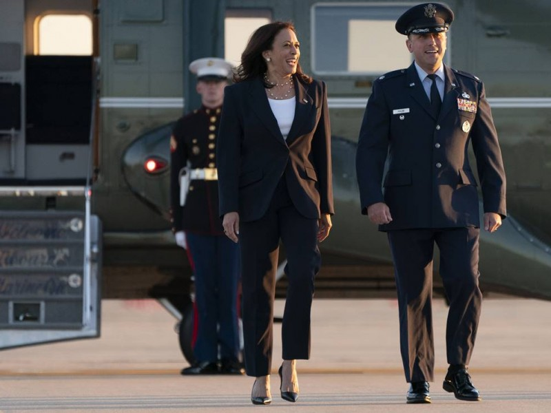 Vicepresidenta Kamala Harris llega a El Paso, Texas,