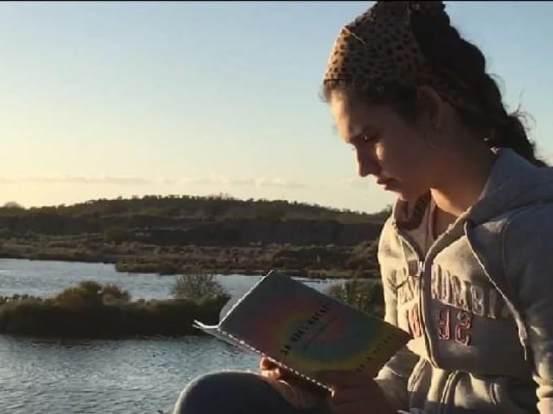 Victoria busca con su libro impactar en los jóvenes