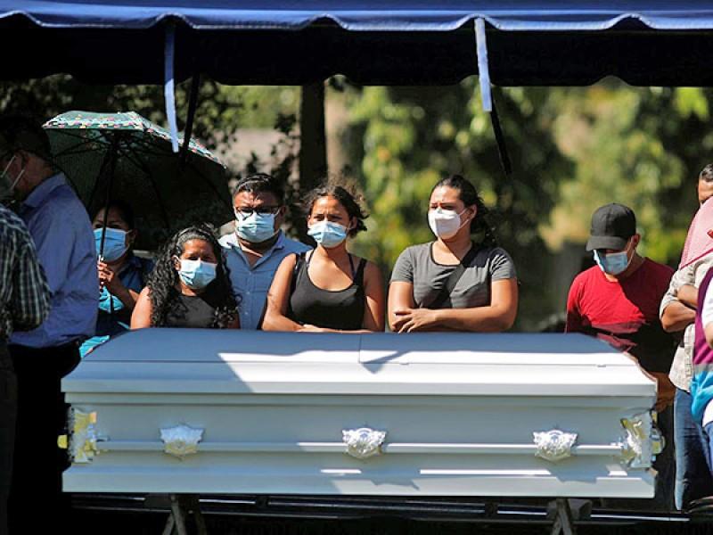 Victoria Salazar es sepultada en El Salvador