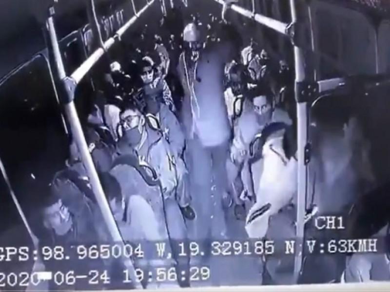 (VIDEO) Asalto a pasajeros termina en balacera, hubo 3 fallecidos