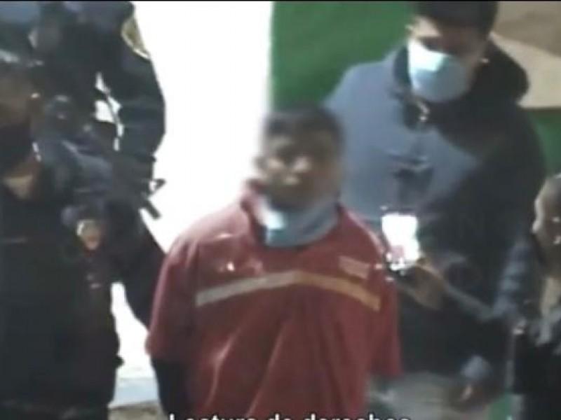 (VIDEO) Detienen a presunto asaltante de negocio en Iztapalapa