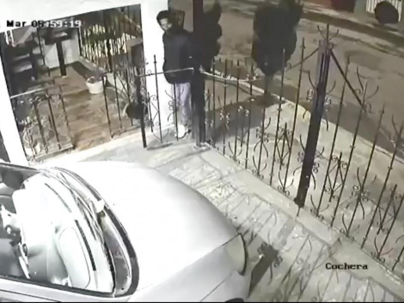 (VIDEO) Ladrones entran a vivienda de San Jerónimo Caleras