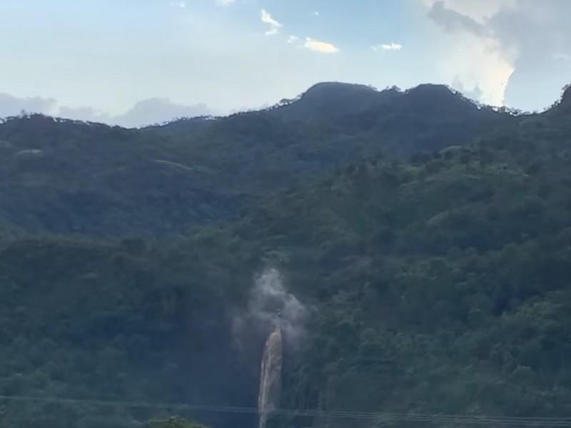 Lluvias aumentan corriente de cascada en Dolores, Del Nayar