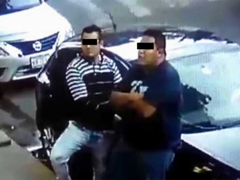 Video: Captan a dos ladrones de autopartes