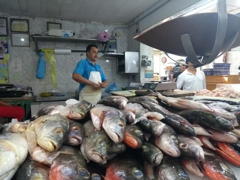 Vigila COEPRIS venta de pescados y mariscos