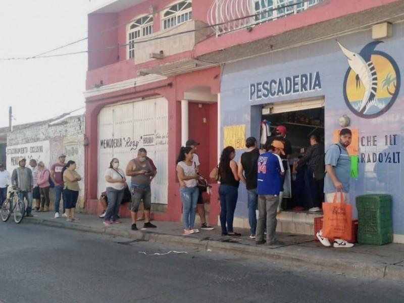 Vigila Tlajomulco medidas sanitarias en venta de productos del mar
