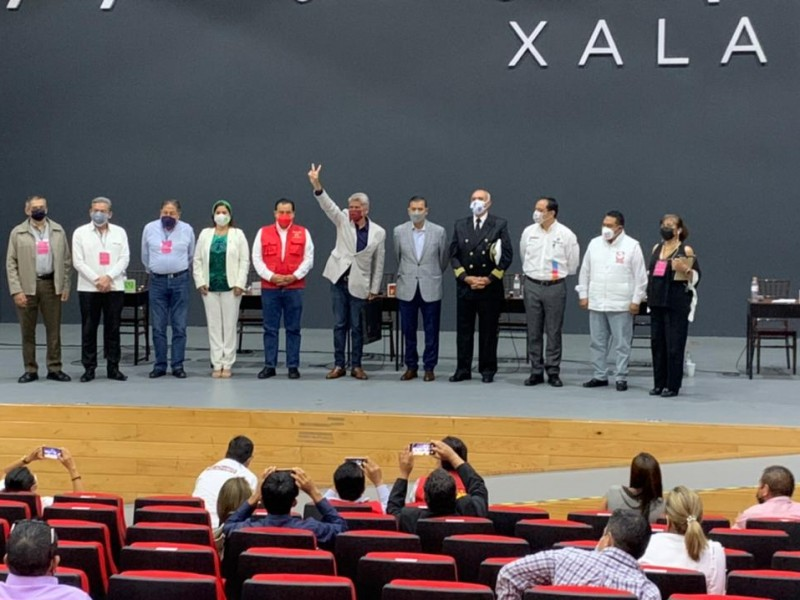 Villalpando afirma ganar debate entre candidatos a diputados federales