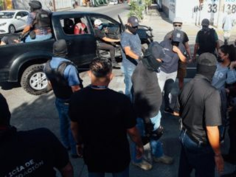 Vinculan a proceso a policía relacionado con detenciones ilegales